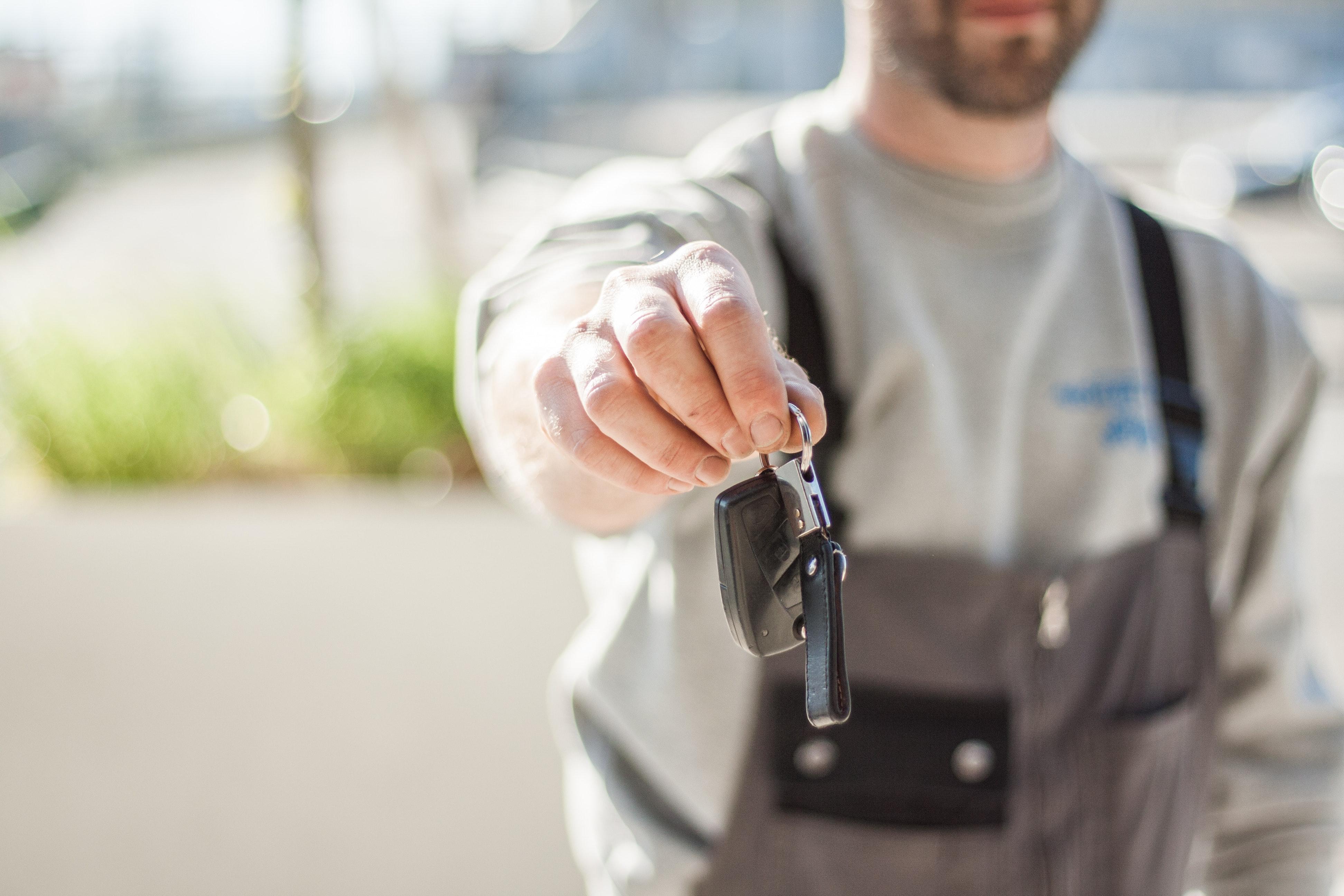 lavaggio auto a secco professionale e a domicilio